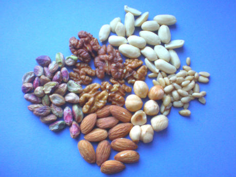 Dålig i magen av nötter